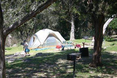 lake-medina-camping04
